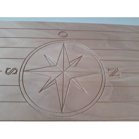 tavolo barca okume 18 mm 75,7 x 48 con rosa dei venti